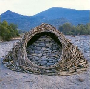 - dialogue entre la pierre et le bois