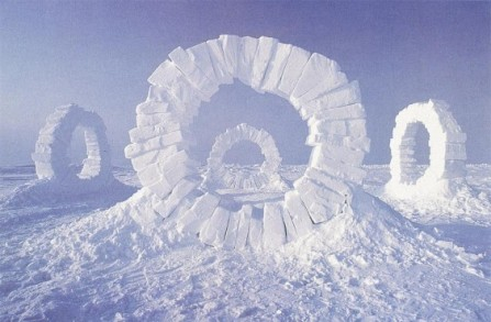 goldsworthy-andy-1989-touching-north-564x370